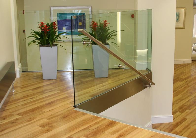 Laminate flooring commercial laminate flooring uk for Commercial laminate flooring
